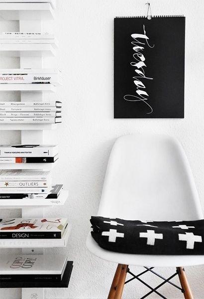 6844-deka-cross-blanket-black