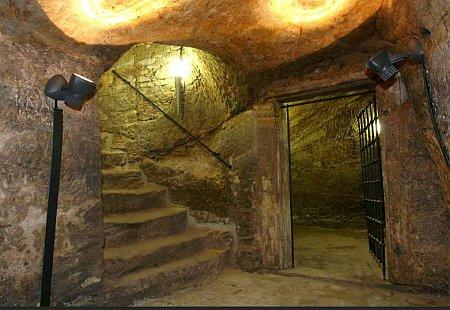 Chvalská tvrz podzemí Foto: e-Newspeak
