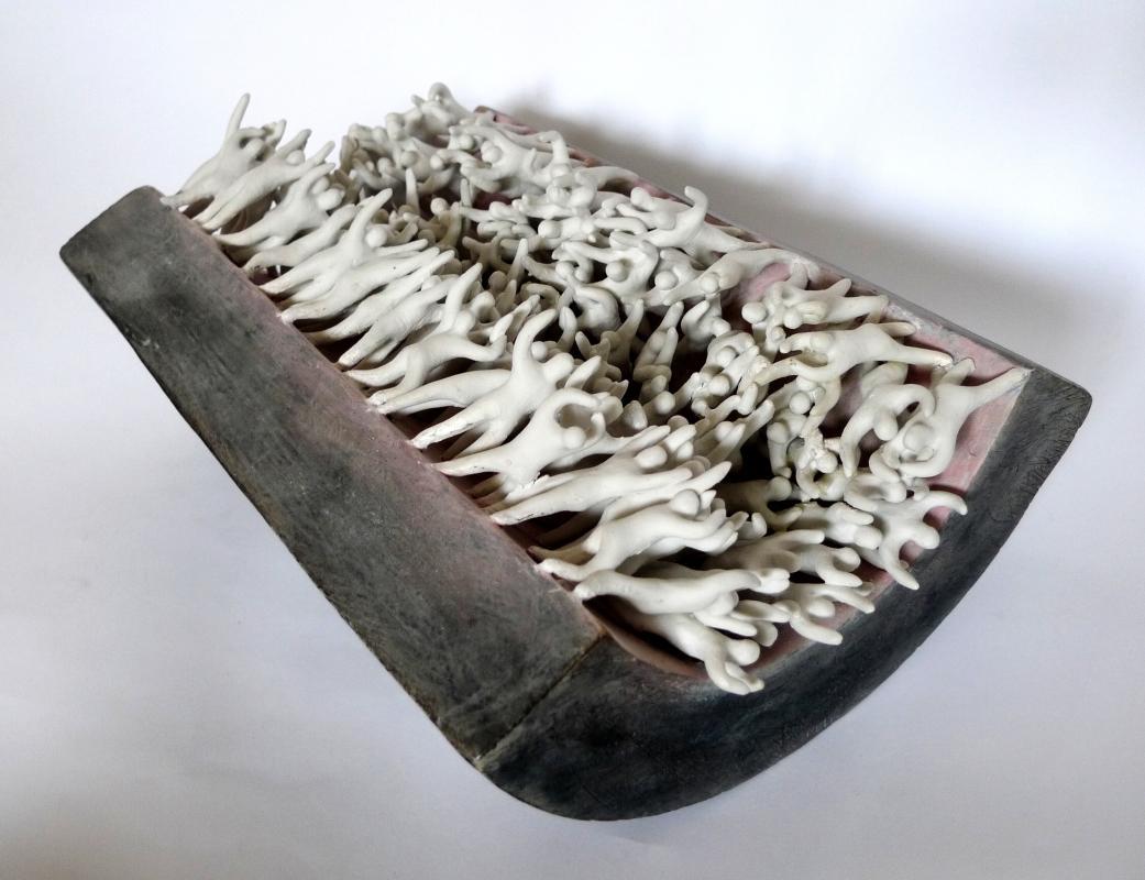 Šárka Radová - Pachtění, 2011, porcelán, 32x22x14 cm Foto: ArtForum, oficiální zdroj