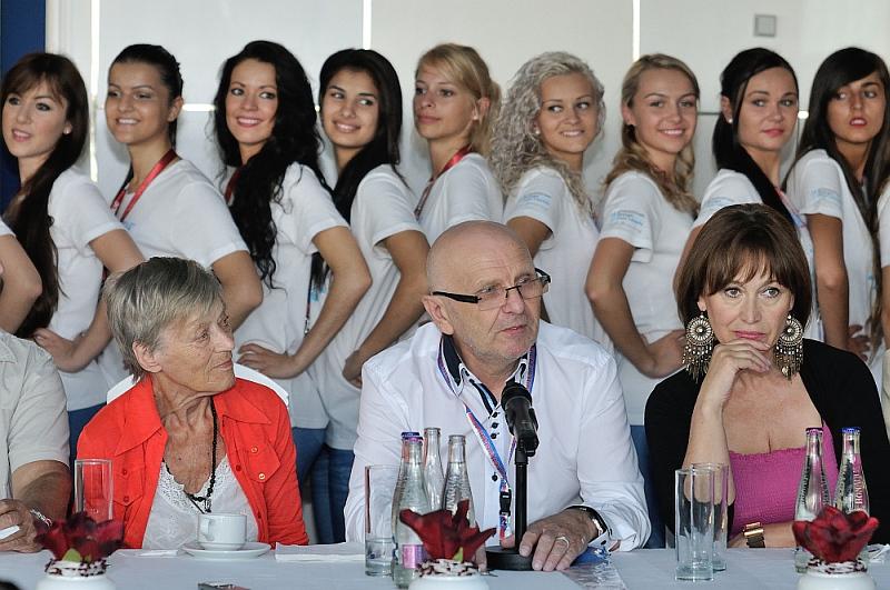 Miss & Mister Deaf World 2013 - porota Luba Skořepová, Josef Uhlíř, Petra Černocká Foto: Kloboukfilm, oficiální zdroj