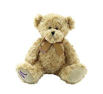 Plyšový medvídek na podporu Nadace Taťány Kuchařové – Krása pomoci Foto: Marionnaud Parfumeries, oficiální zdroj