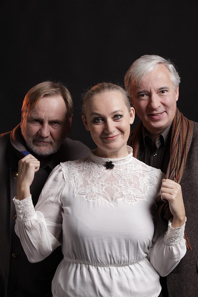 Zuzana Slavíková, Jiří Štěpnička a Vladislav Beneš ve hře Play Strindberg v Divadle Metro Foto: Divadlo Metro, oficiální zdroj