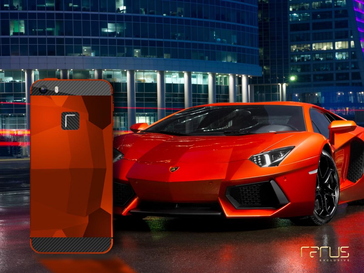 Příklad přizpůsobení designu telefonu vzhledu luxusního vozidla Zdroj: Rarus, s. r. o., oficiální zdroj