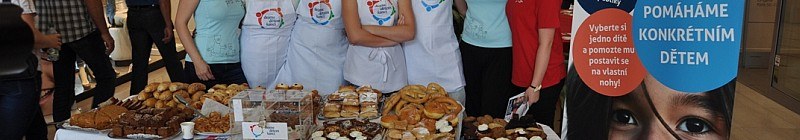 Celebrity v rolích prodejců pečiva Foto: Dejme dětem šanci