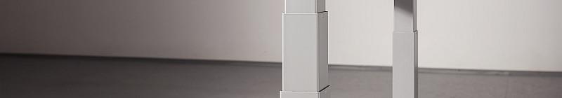 Výškově nastavitelný stůl Sit2stand roste se svým uživatelem Foto: Sit2stand, oficiální zdroj