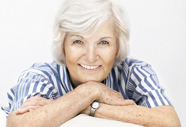 Šedý zákal se objevuje zpravidla až v seniorském věku Foto: guideline, oficiální zdroj