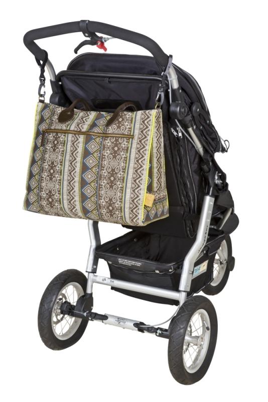Kabela Lässig Weekender Ethno poslouží nejprve na kočárku, poté ji lze nosit klasicky přes rameno Foto: Babypoint, oficiální zdroj