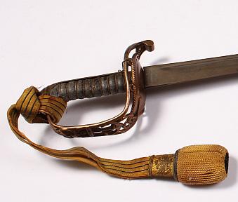 Dorotheum: Rakouská šavle pro poddůstojníky a kadety námořnictva z počátku 20. století Foto: archiv Dorotheum, oficiální zdroj