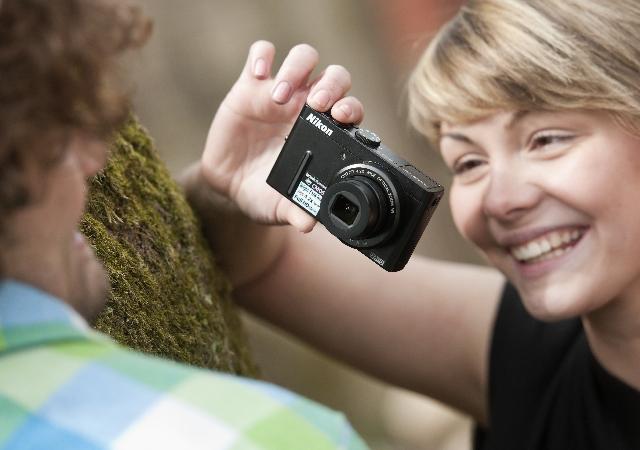 Zamilované fotky umí i fotoaparát Nikon P300 Foto: Nikon, oficiální zdroj