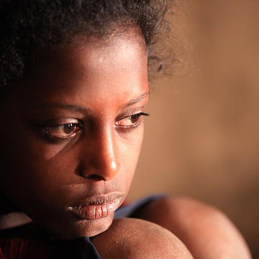 Febiofest: Difret. V debutovém snímku etiopského režiséra scenáristy Zeresenaye Berhane Mehariho si hlavní roli zahrála Tizita Hagere Foto: Febiofest, oficiální zdroj