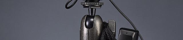Bezdrátový mikrofon ME-W1 připojený ke stereofonnímu mikrofonu Nikon ME-1 Foto: Nikon, oficiální zdroj