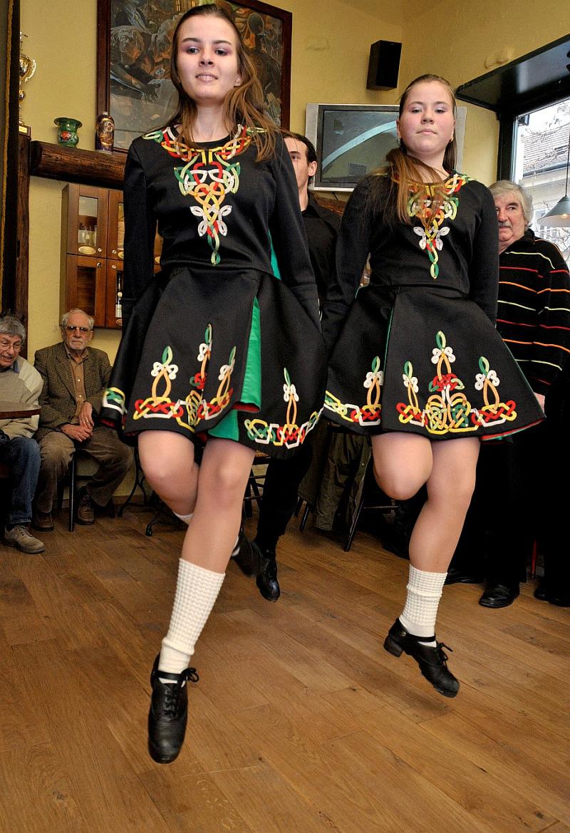 Irské tance na oslavách svátku sv. Patrika Foto: James Joyce Prague´s Cosy Irish Pub/Greening, oficiální zdroj
