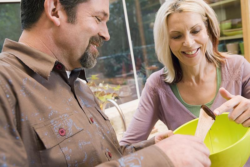 Vaření je jedna z činností, kdy potřebujeme dobře vidět na blízko Foto: Guideline, oficiální zdroj