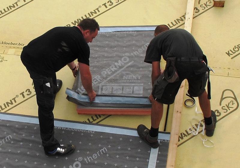 Realizace zateplení střechy deskami z fenolicé ze systému THERMO-LINE Foto: HPI-CZ, oficiální zdroj