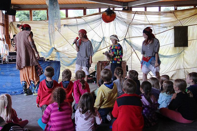 Příměstský tábor Sluníčka má pro děti přichystanou spoustu dobrodružství Foto: Žluté lázně, oficiální zdroj