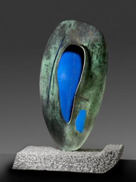 Rubikon: Bohumil Eliáš sr - STOPA V MODRÉ 1997, bronz, žula, v. 92 cm Foto: ArtForum, oficiální zdroj