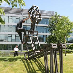Sculpture Line_ instalace_Jakub Flejšar_Odpočívající figura_The Park Business Centrum na Chodově