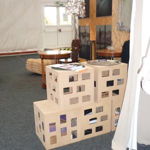 Úložný systém z obyčejných krabic