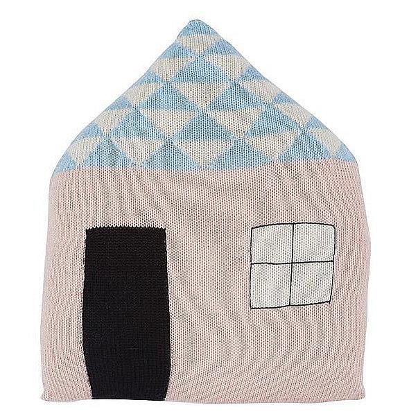 Úpletový světle růžový polštář Favourite Place, design Lucky Boy Sunday, cena 1590 Kč Foto: DesignVille.cz, oficiální zdroj