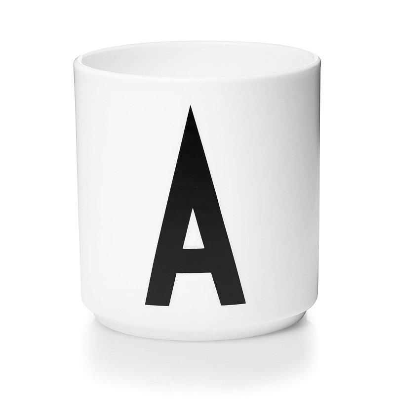 Keramický hrnek A, design Design Letters cena 429 Kč Foto: Designville.cz, oficiální zdroj