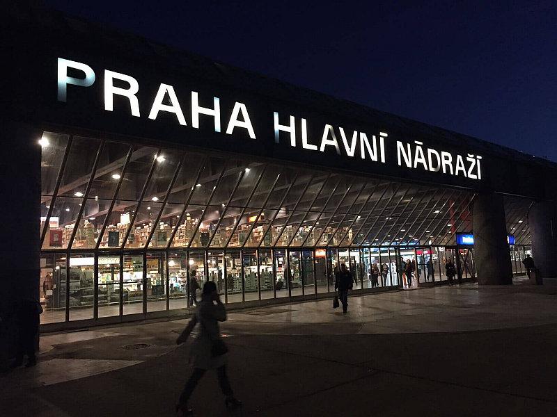 Nejošklivější architektura: Praha hlavní nádraží Foto: Scholastika, oficiální zdroj