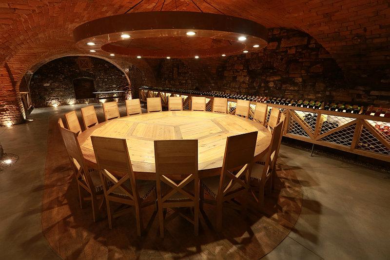 Vinné sklepy bzeneckého zámku-degustační místnost