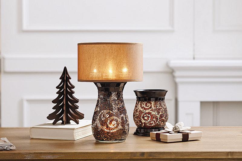Amaretto aromalampa a lampa na čajové svíčky Foto: PartyLite oficiální zdroj