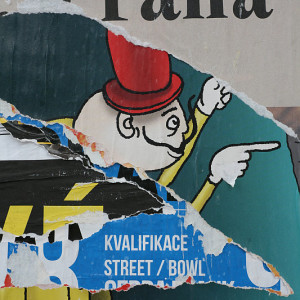 Praha ve strhaném plakátu 03