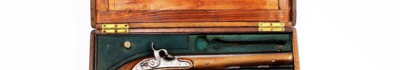 Dorotheum: Párové perkusní soubojové pistole v kazetě z poloviny 19. století, vyvolávací cena 60 tisíc korun. Foto: archiv Dorotheum, oficiální zdroj