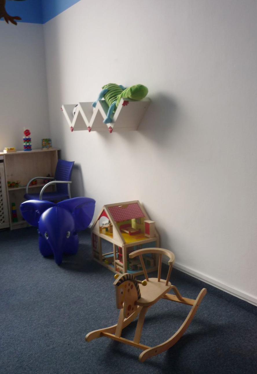 RETRO Národní muzeum:  V Dětském koutku nechybí i ikony z oblasti nafukovacích hraček od Libuše Niklové - například Slon  Foto: e-Newspeak