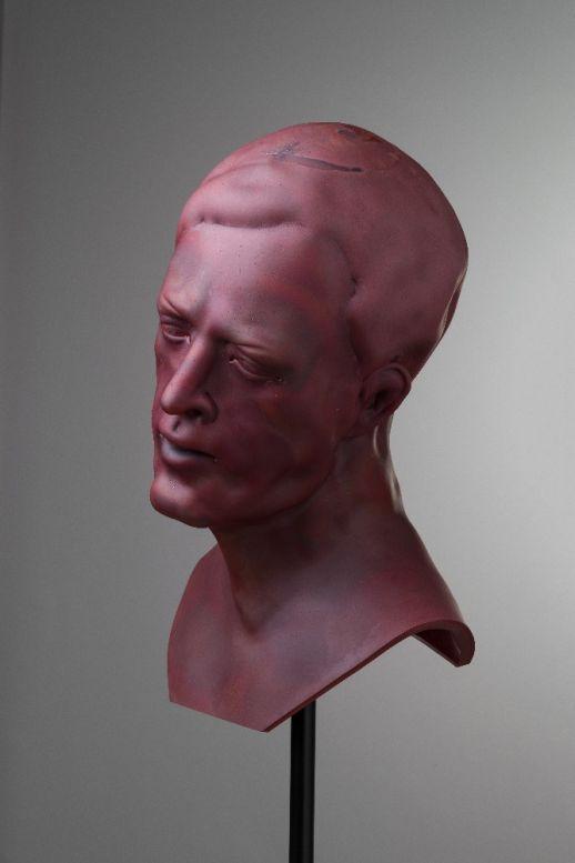 Křehká síla skla: Martin Janecký - Mužský portrét Foto: archiv Dorotheum, oficiální zdroj