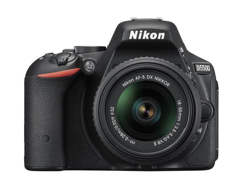 Cena pro vítěze soutěže - digitální zrcadlovka Nikon D5500 s výklopným dotykovým displejem Foto: Nikon, oficiální zdroj