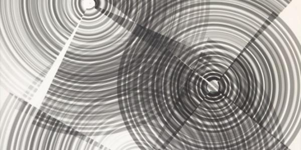 Běla Kolářová: Kruhy, 1963, kresba svetlem Oficiální zdroj: UPM