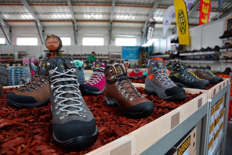 Výstava stanů - outdorová obuv Foto: 4camping.cz, oficiální zdroj