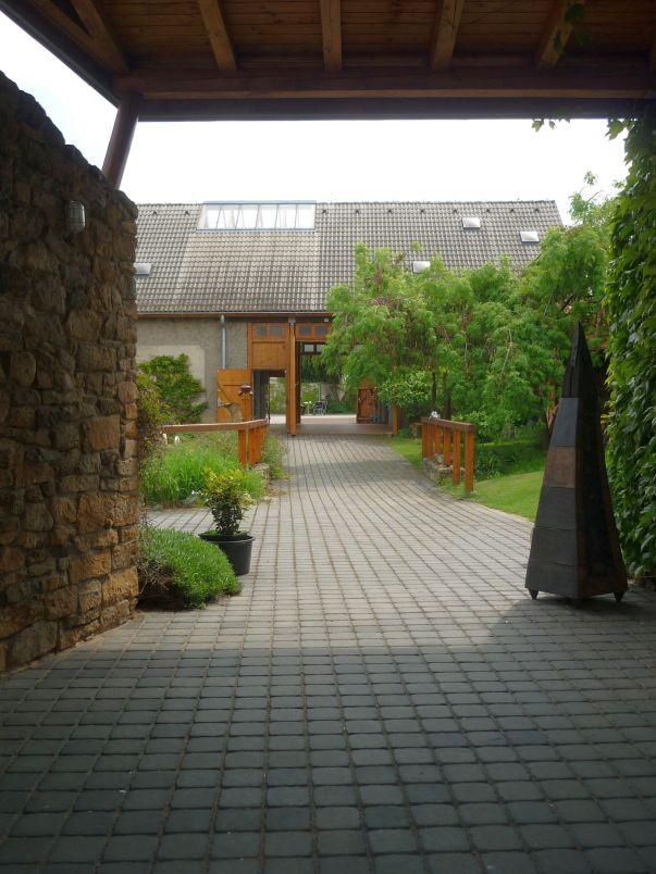 Galerie Jan Svatoš v Kostelci nad Černými lesy - areál Foto: e-Newspeak