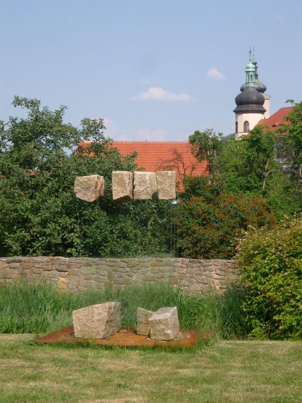 Galerie Jan Svatoš v Kostelci nad Černými lesy - zahrada Foto: e-Newspeak