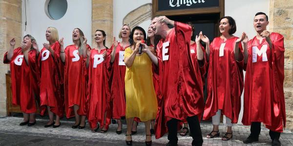 Gospel Time a Zuzana Stirská na tiskové konferenci k narozeninovému koncertu souboru Foto: Helena Váňová Production